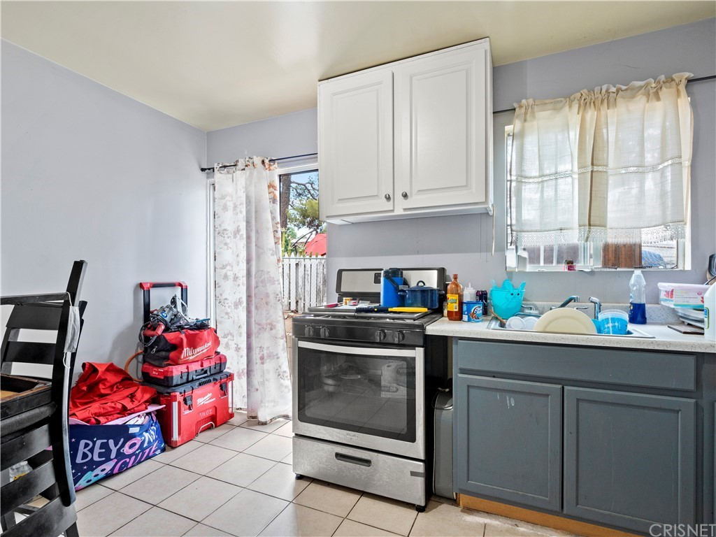 13234 Gladstone Avenue Property Photo 16