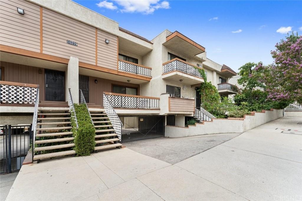 10219 Pinewood Avenue 17 Property Photo