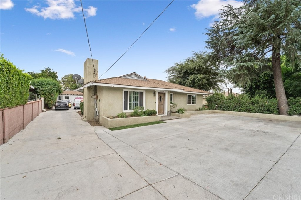 14308 Sayre Street Property Photo