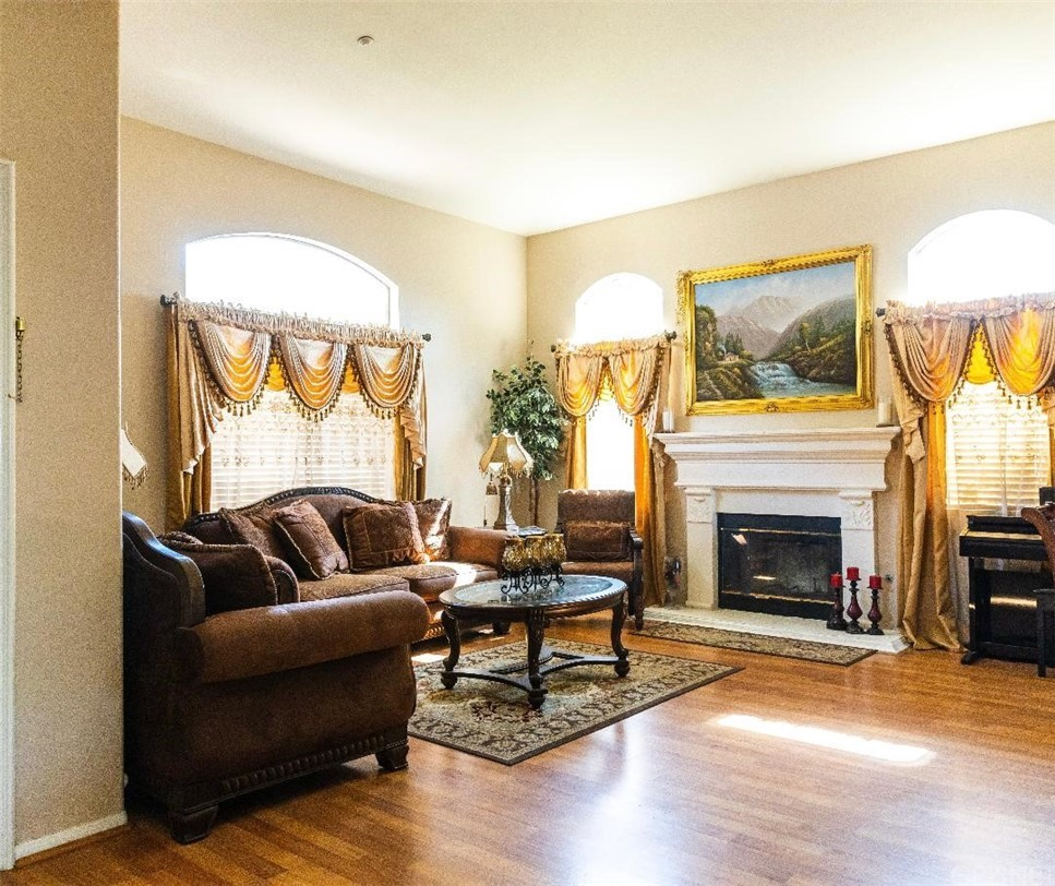 13853 Mountain View Place Property Photo 3