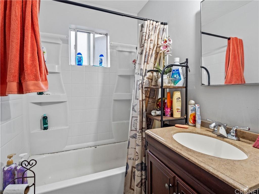 13234 Gladstone Avenue Property Photo 10