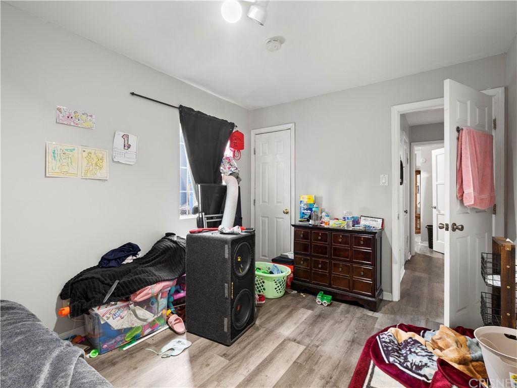 13234 Gladstone Avenue Property Photo 11