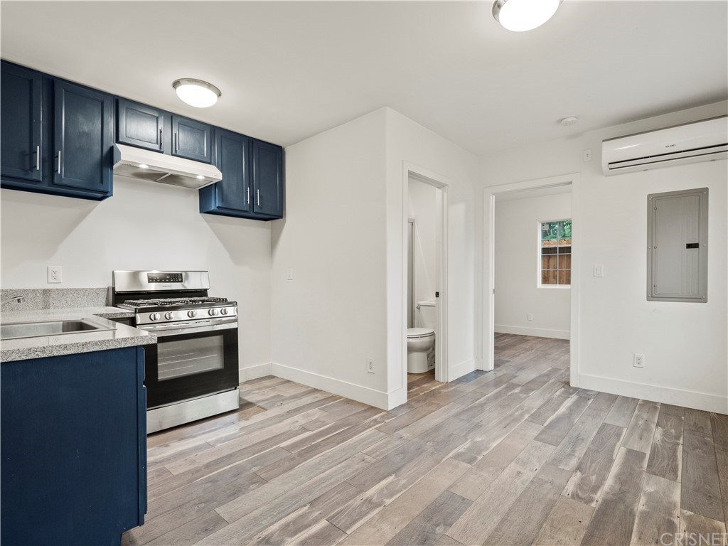 13234 Gladstone Avenue Property Photo 24