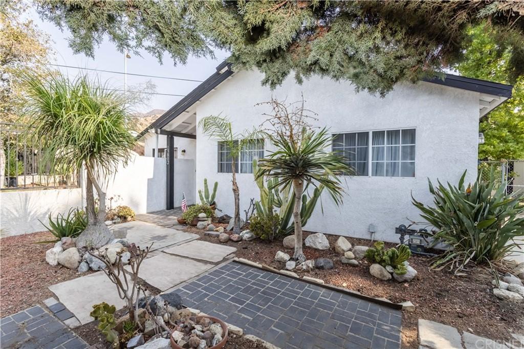13802 Dronfield Avenue Property Photo