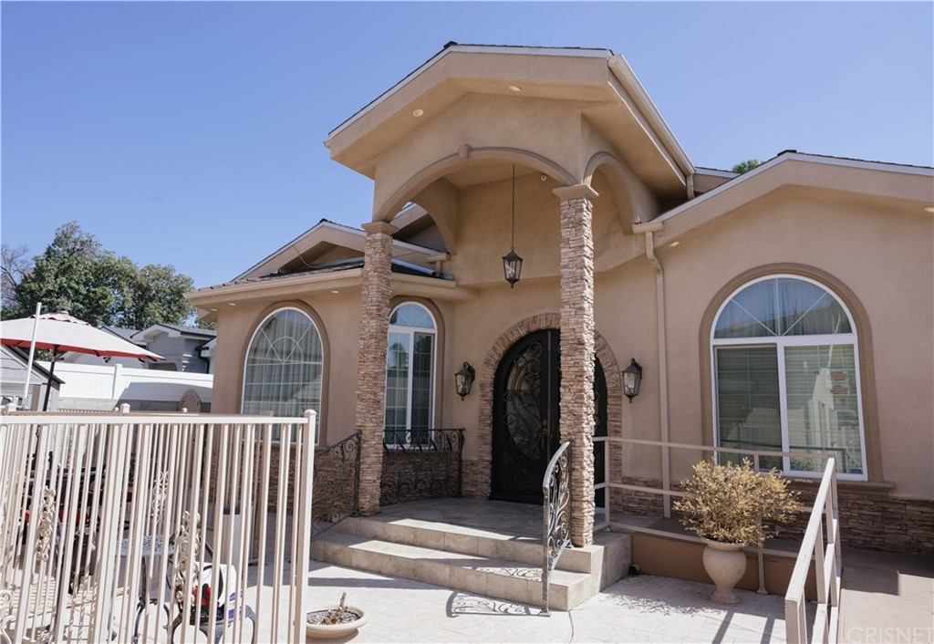 6936 Peach Avenue Property Photo