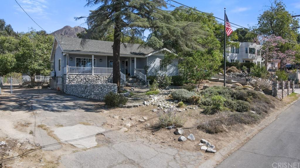 11100 Plainview Avenue Property Photo