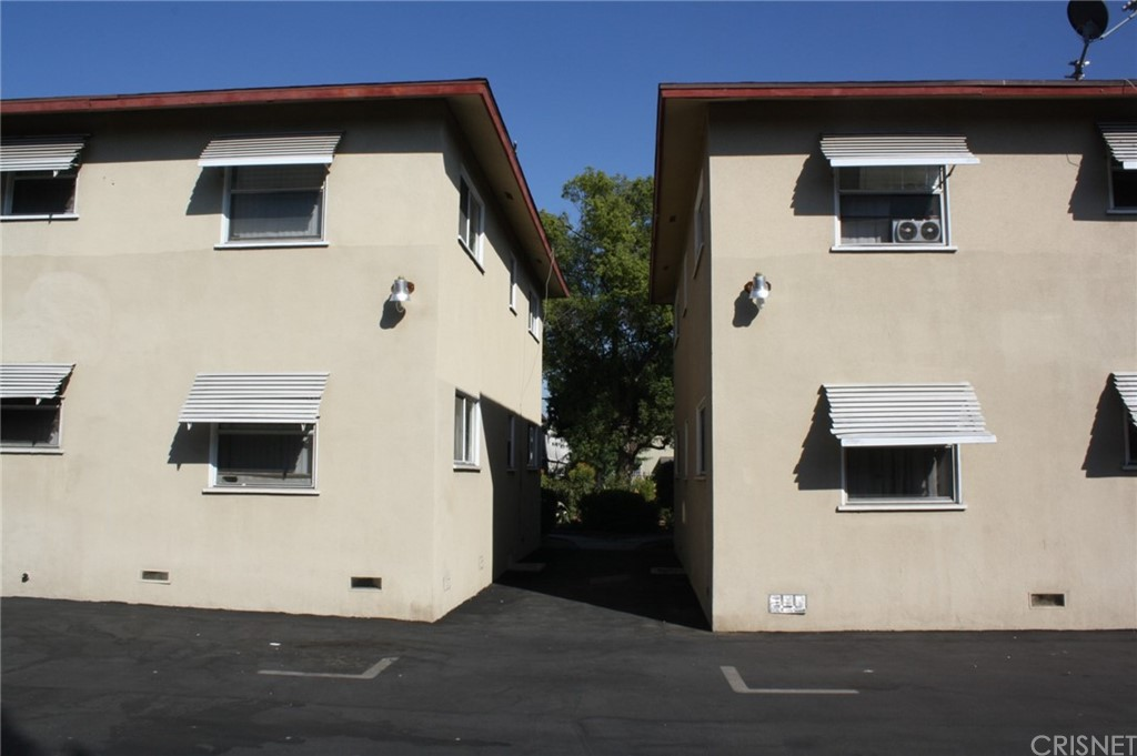 6937 Kester Avenue Property Photo