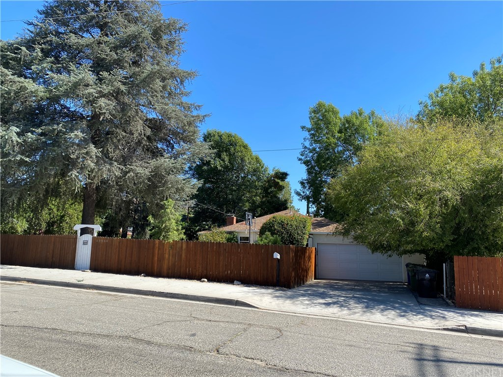 10850 Foothill Boulevard Property Photo