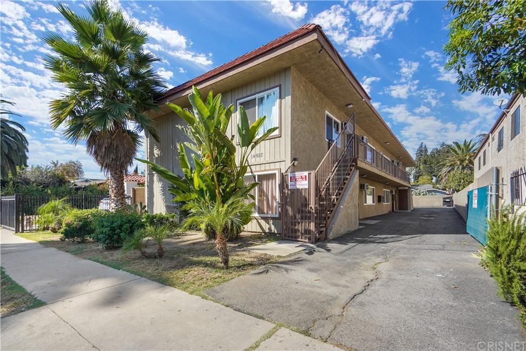 14607 Gilmore Street Property Photo
