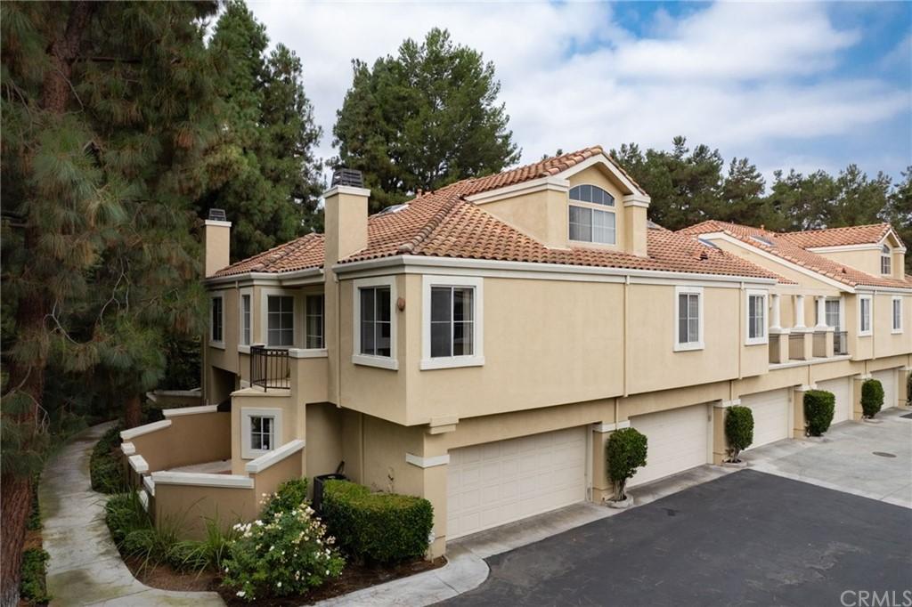 Applause (app) Real Estate Listings Main Image