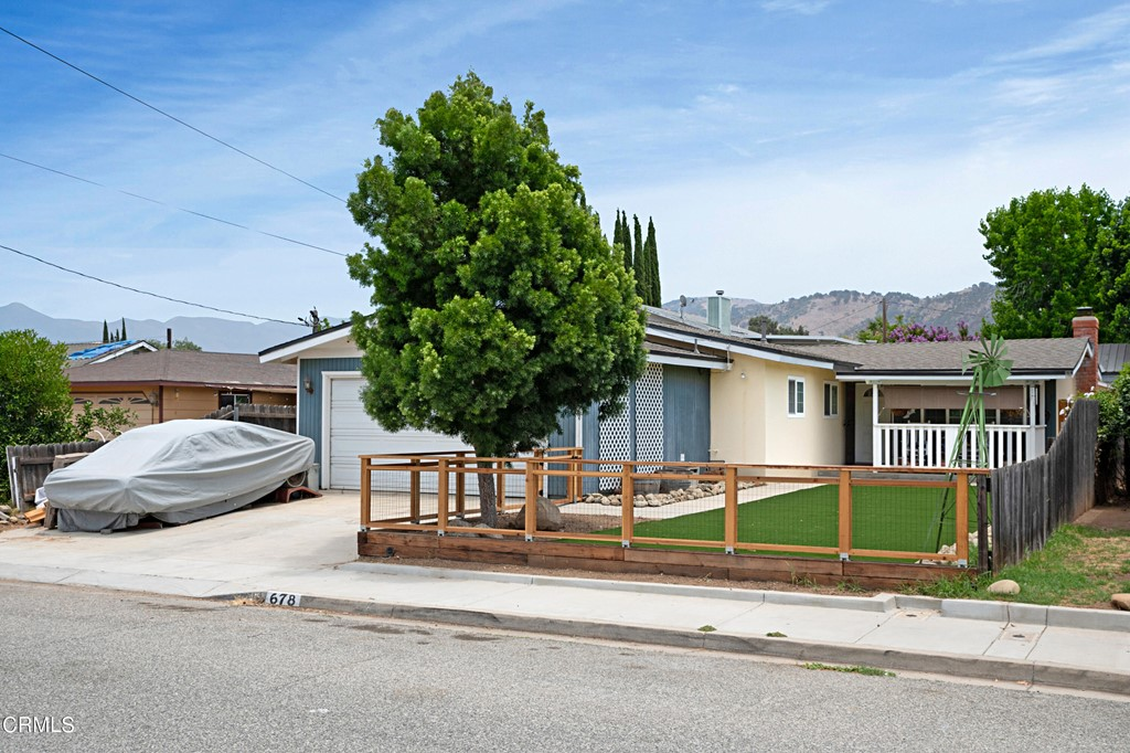 678 Vine Street Property Photo