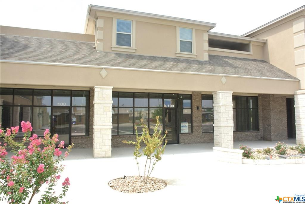 2710 S Clear Creek Road Property Photo