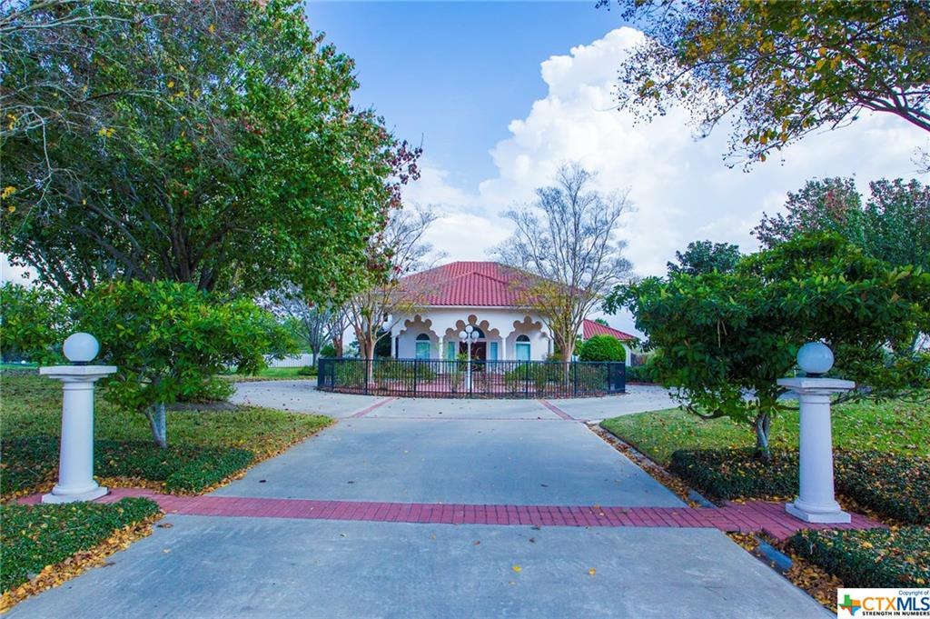 108 Creekridge Drive Property Photo - Victoria, TX real estate listing