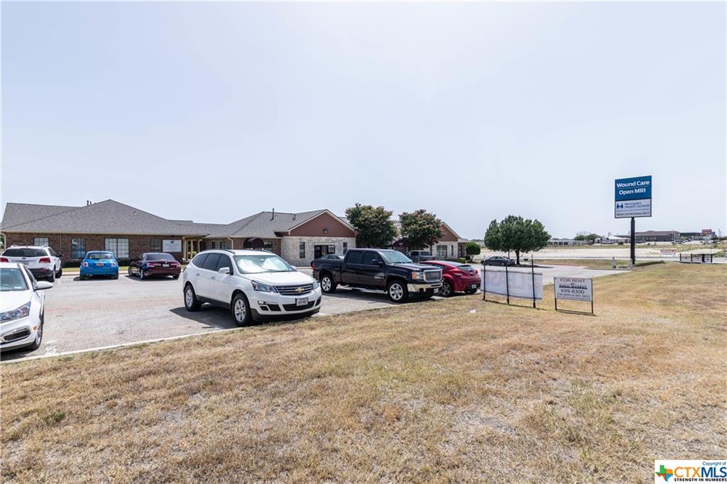 5610 E Central Texas #4 Property Photo