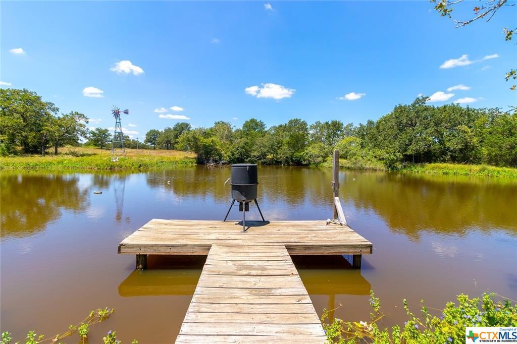 4925 Burke Road Property Photo - Flatonia, TX real estate listing
