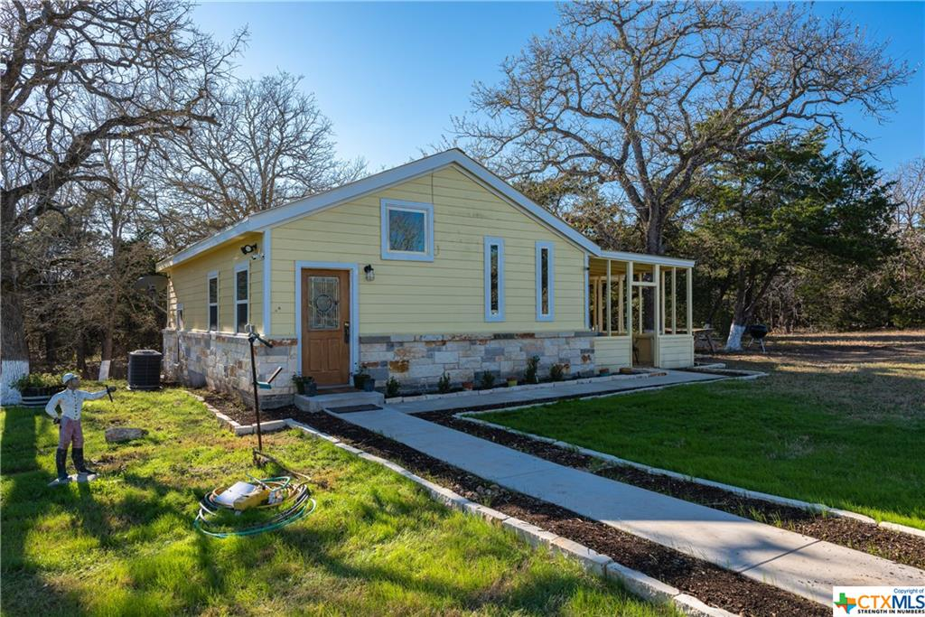 256 Windmill Drive Property Photo - Dale, TX real estate listing