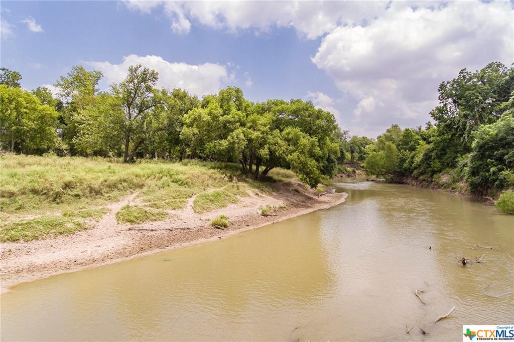 000 San Antonio River Road Property Photo - Victoria, TX real estate listing