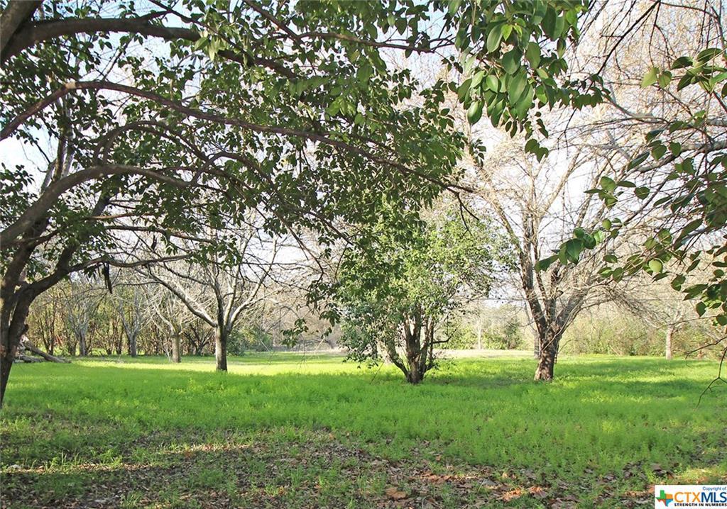 227 Clore Road Property Photo