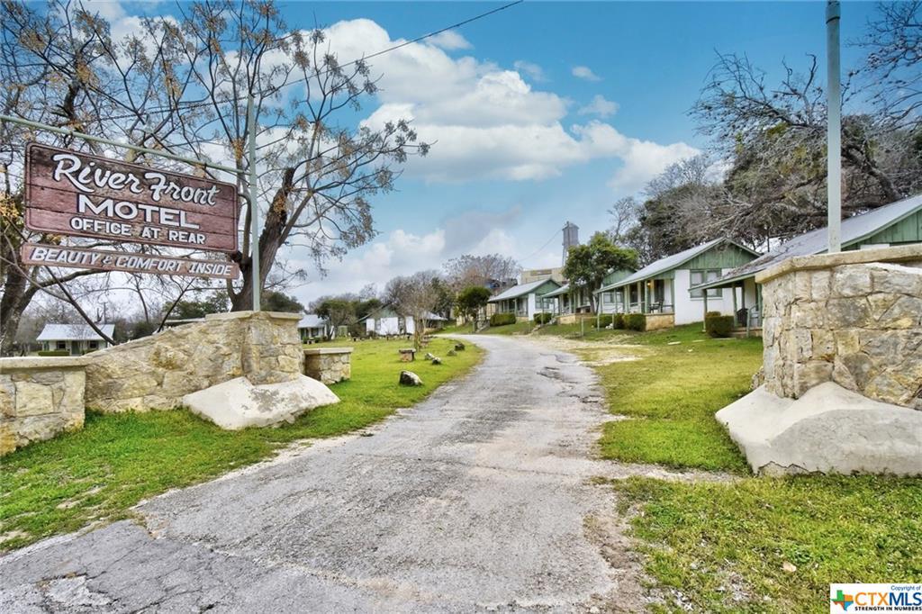 1103 Maple Street Property Photo