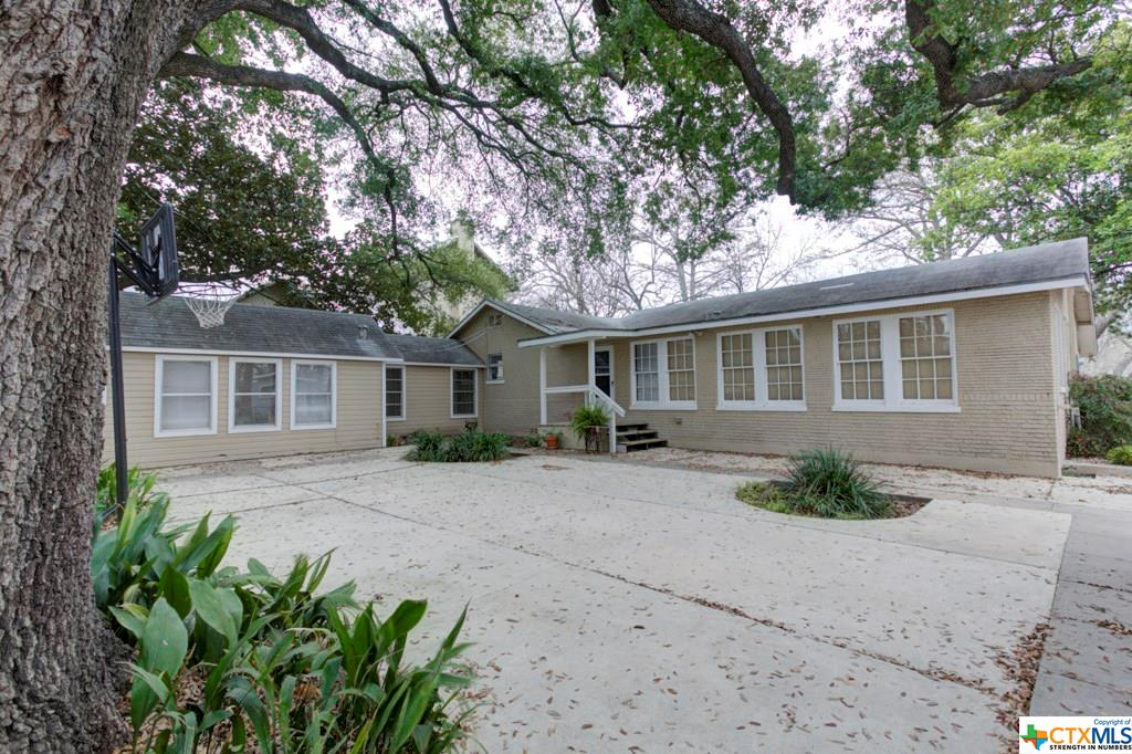 2461 Terminal Loop Road Property Photo - McQueeney, TX real estate listing
