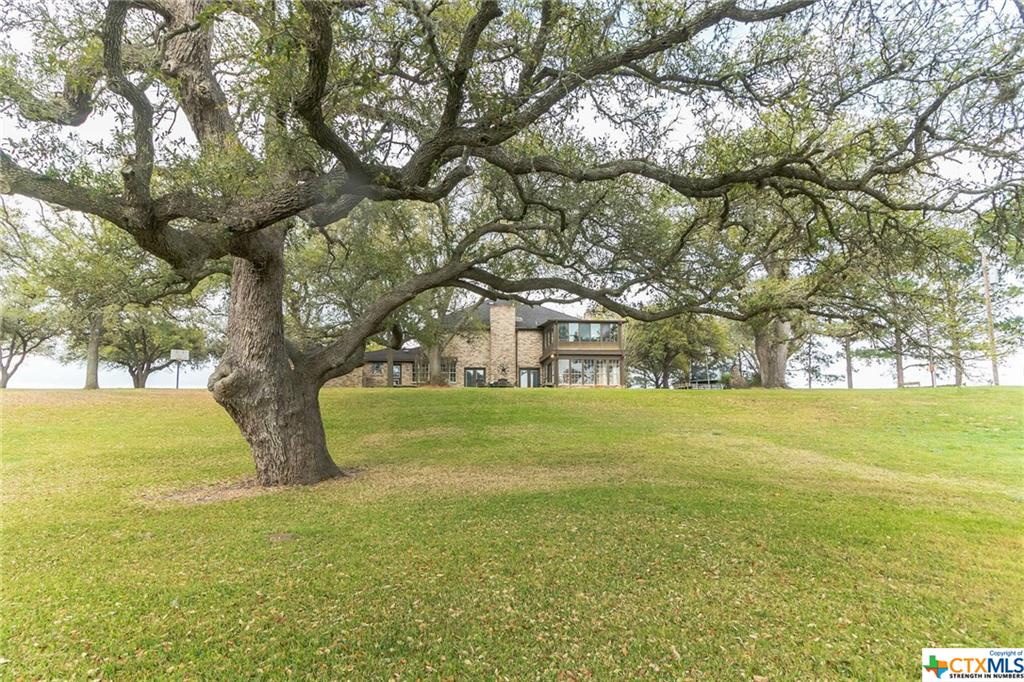 699 County Road 198 Property Photo - Hallettsville, TX real estate listing
