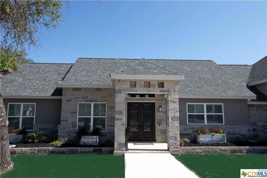 137 Bridgewater Drive Property Photo - La Vernia, TX real estate listing