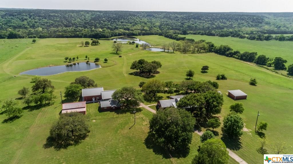 22689 Owl Creek Road Property Photo - Gatesville, TX real estate listing