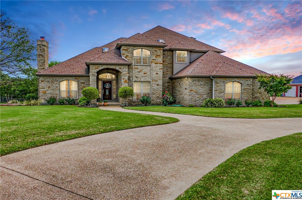 207 Fairway Drive Property Photo - Gatesville, TX real estate listing