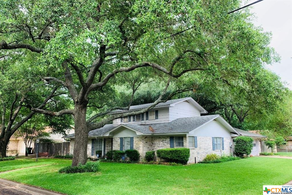 1604 N Cleveland Avenue Property Photo - Cameron, TX real estate listing