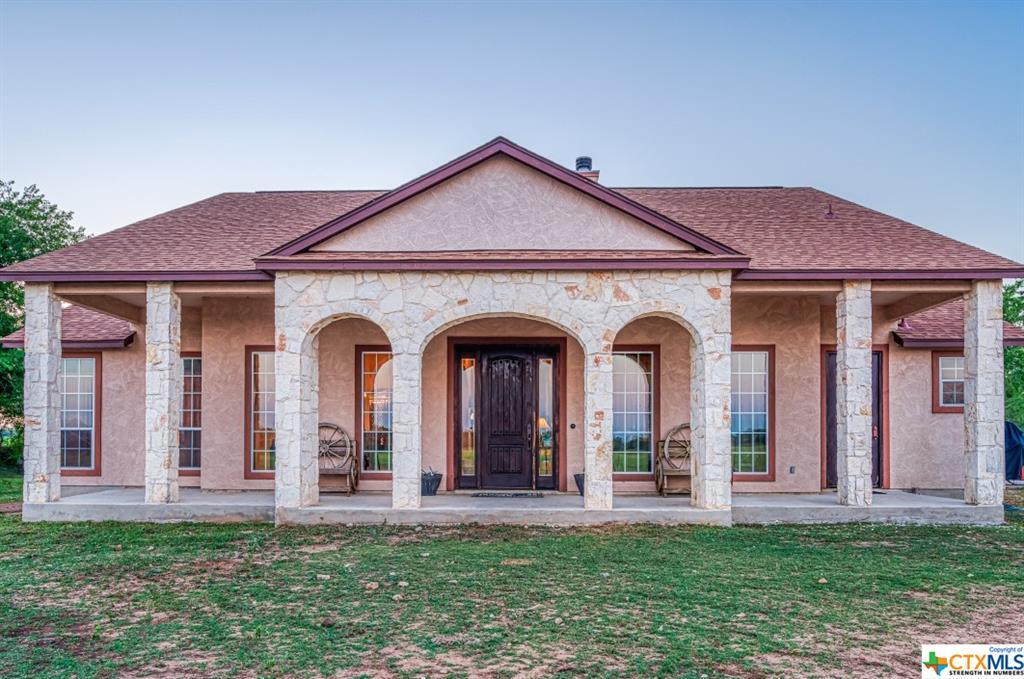 1597 Zuehl Crossing Property Photo - La Vernia, TX real estate listing