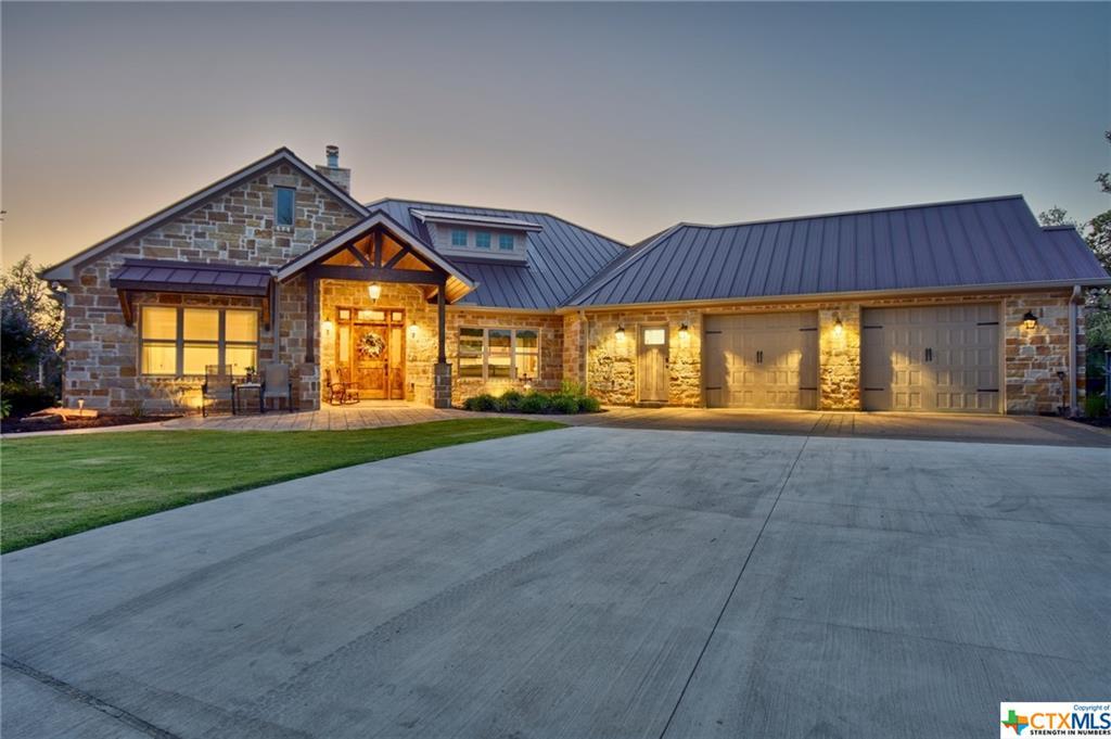 1045 Yaupon Creek Estates Property Photo - Columbus, TX real estate listing