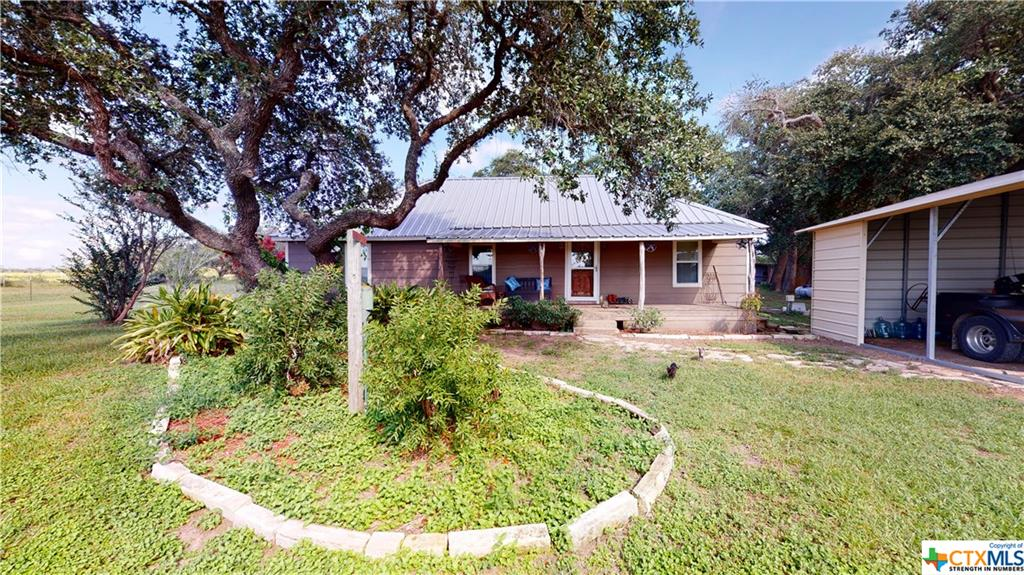 238 County Road 405 Property Photo - Edna, TX real estate listing