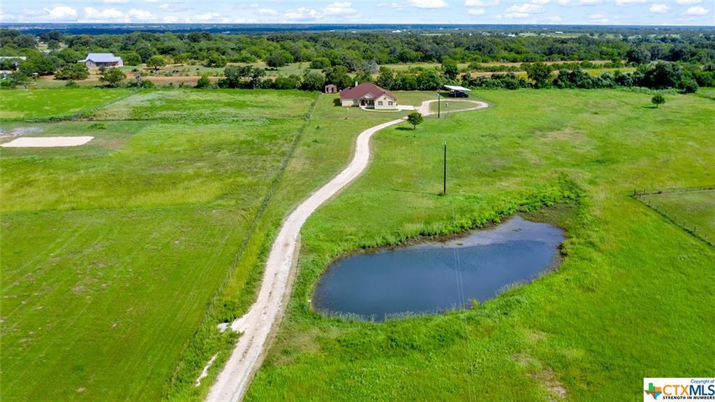607 County Road 338 Property Photo - La Vernia, TX real estate listing