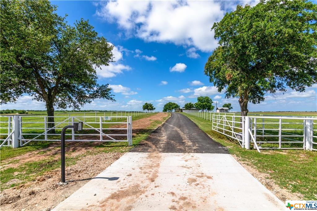 111 Lund Road Property Photo - Elgin, TX real estate listing
