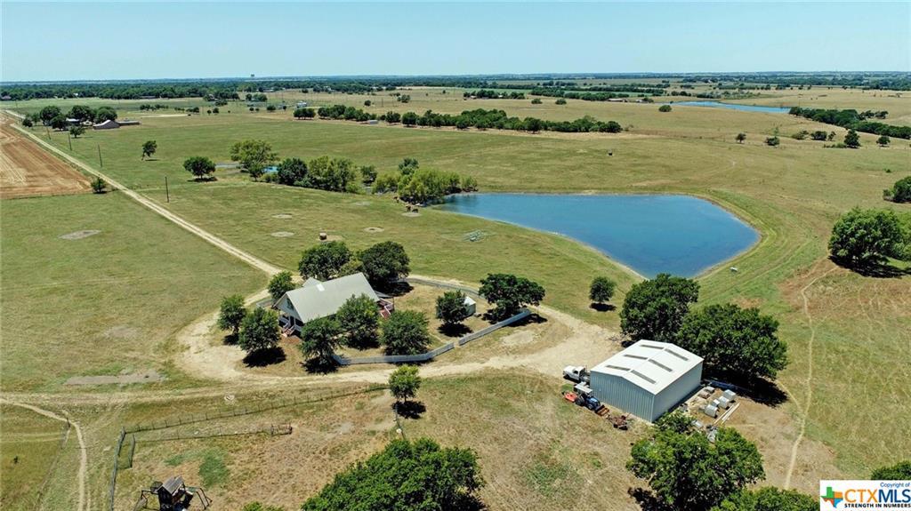 420 N Brazos Lane Property Photo - Bartlett, TX real estate listing