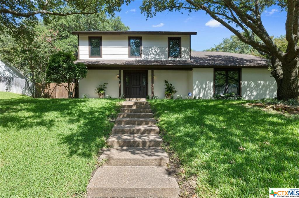 10021 Sandalwood Drive Property Photo - Woodway, TX real estate listing