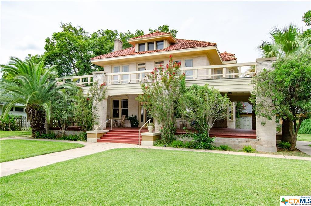 104 W Reuss Boulevard Property Photo - Cuero, TX real estate listing