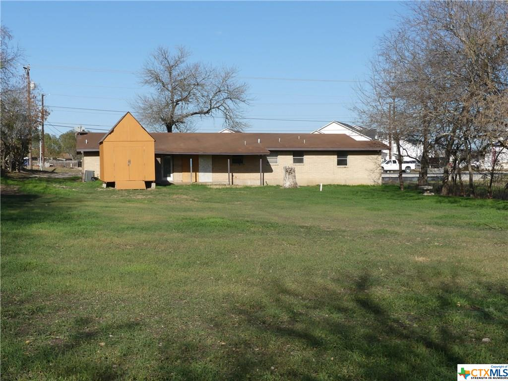 1092 S State Highway 46 Property Photo