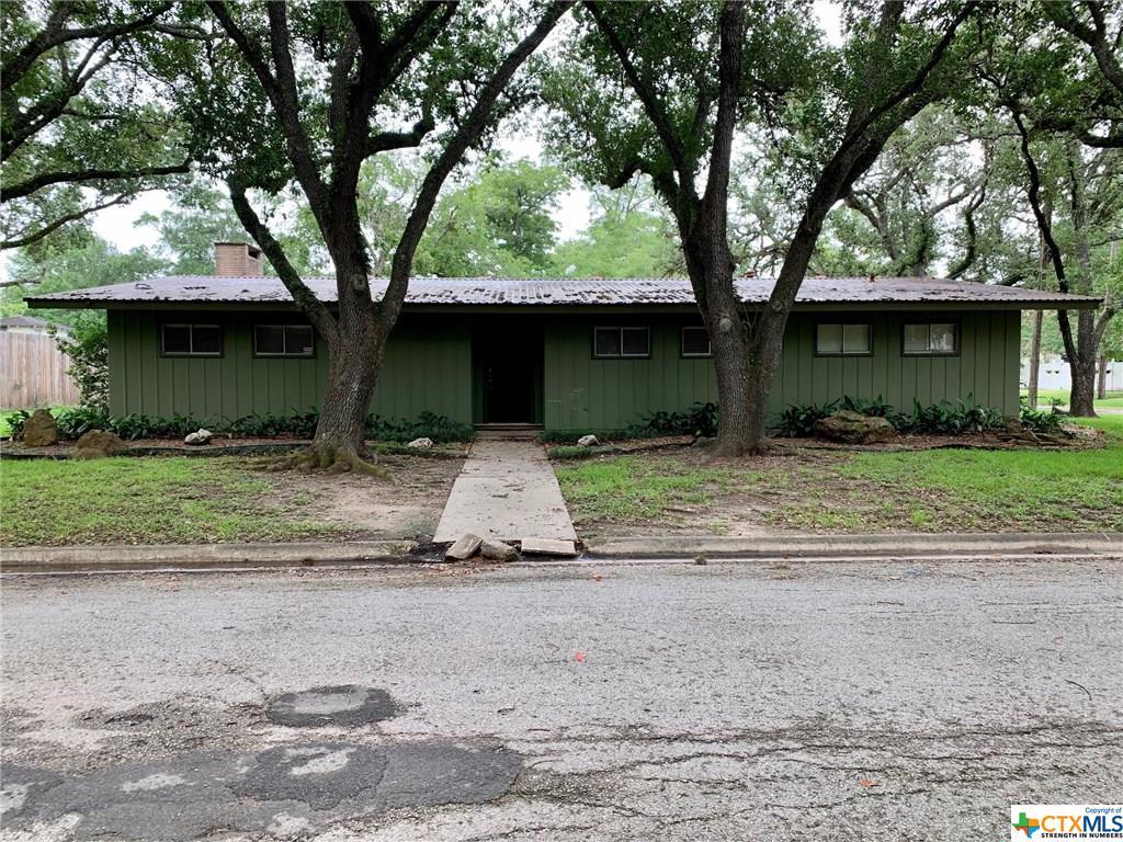 603 W Brackenridge Street Property Photo - Edna, TX real estate listing