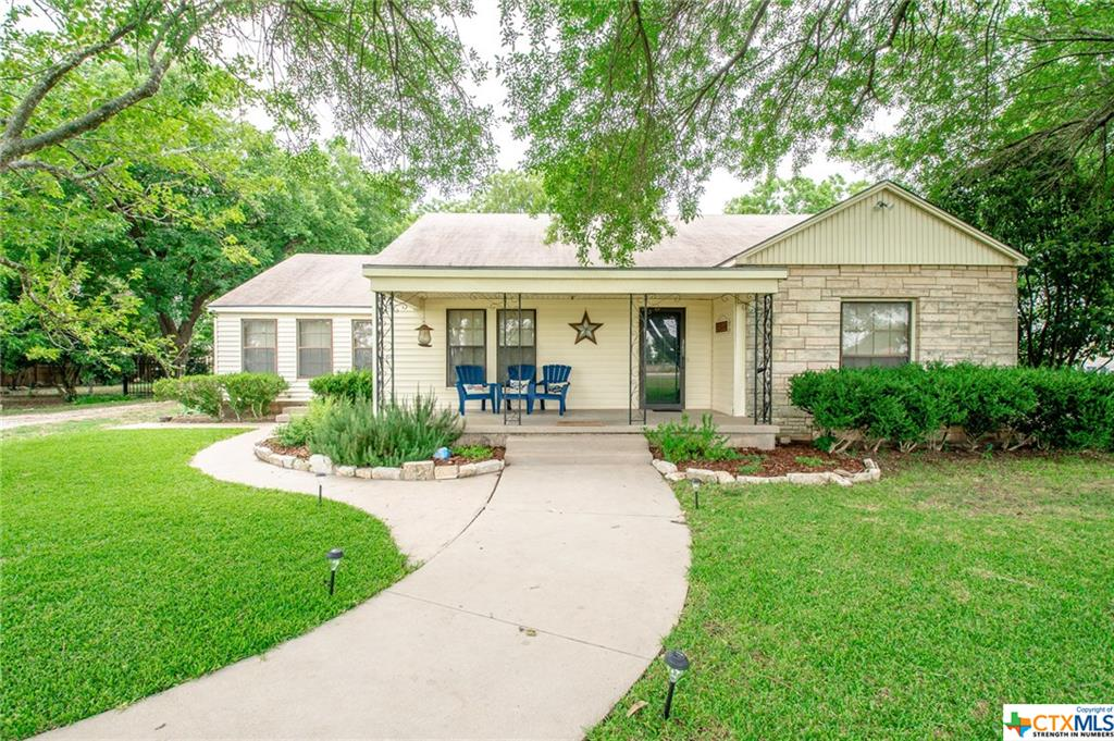 1600 Avenue D Property Photo - Moody, TX real estate listing