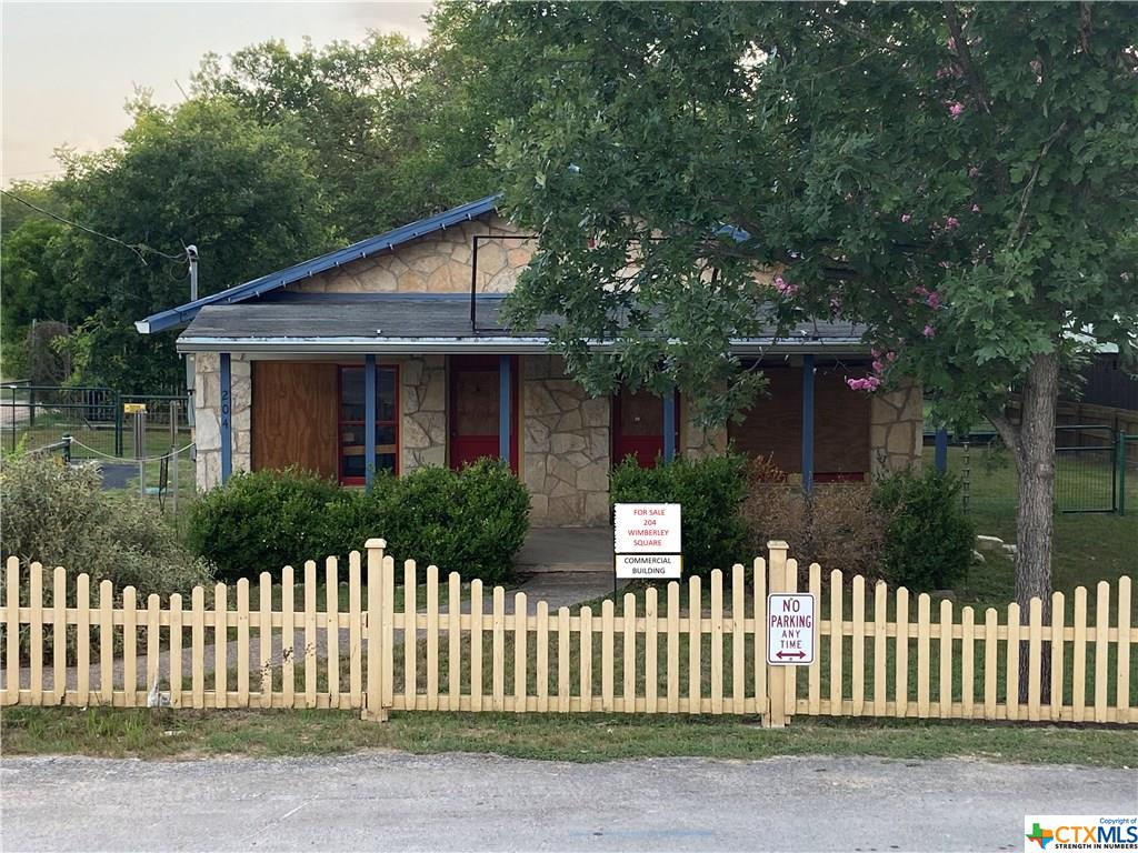 204 Wimberley Square Property Photo