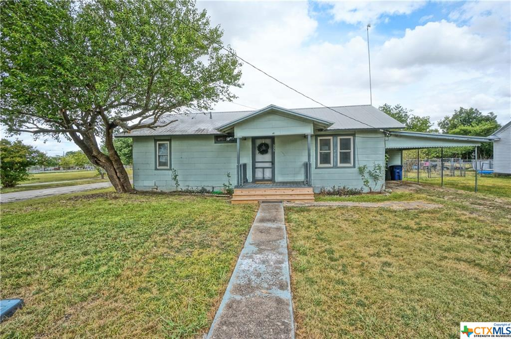335 N Lillian Street Property Photo - Bartlett, TX real estate listing
