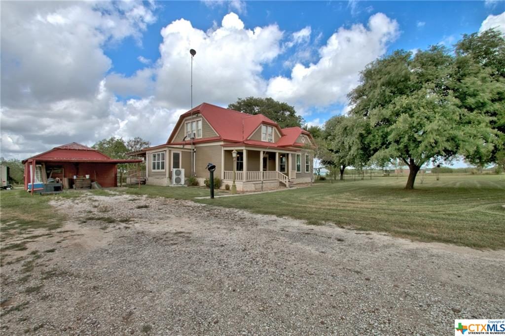 192 S County Road 141 Property Photo - Cost, TX real estate listing