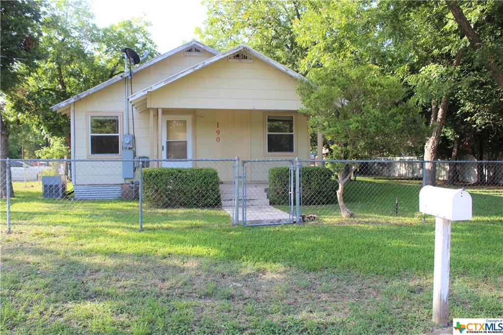 190 E Main Street Property Photo - New Braunfels, TX real estate listing