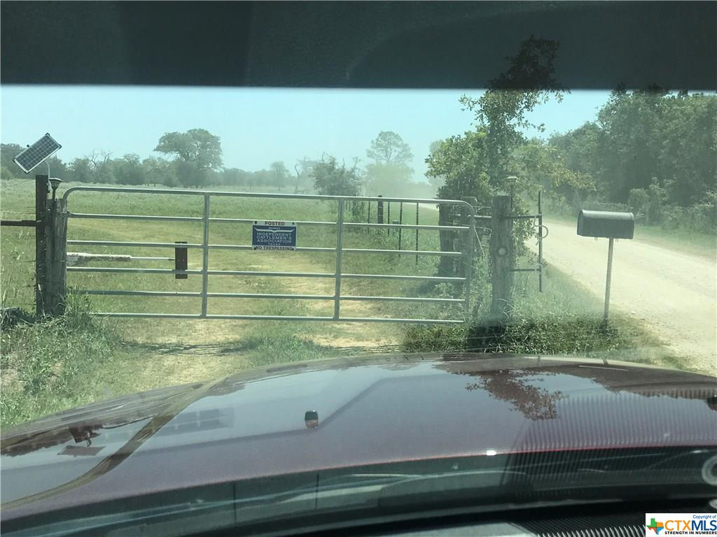 1519 Chuckwagon Road Property Photo - Luling, TX real estate listing