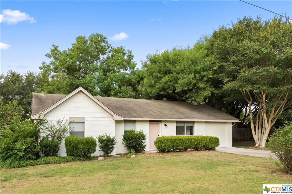 104 Country Lane Property Photo - Maxwell, TX real estate listing
