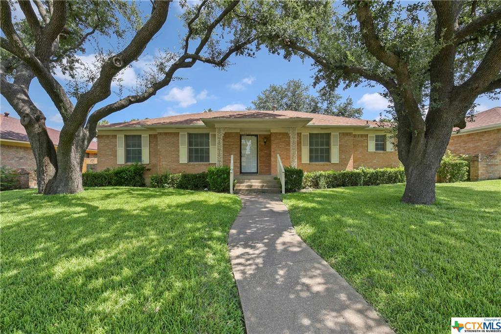 8633 Skyline Drve St Property Photo - Dallas, TX real estate listing