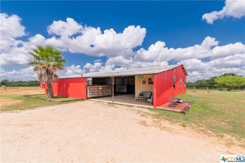 1610 County Road 223 Property Photo - Floresville, TX real estate listing