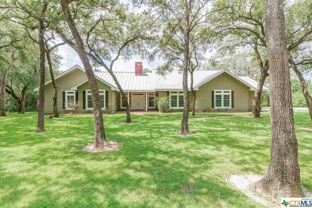 560 Treasure Oaks Property Photo - Inez, TX real estate listing
