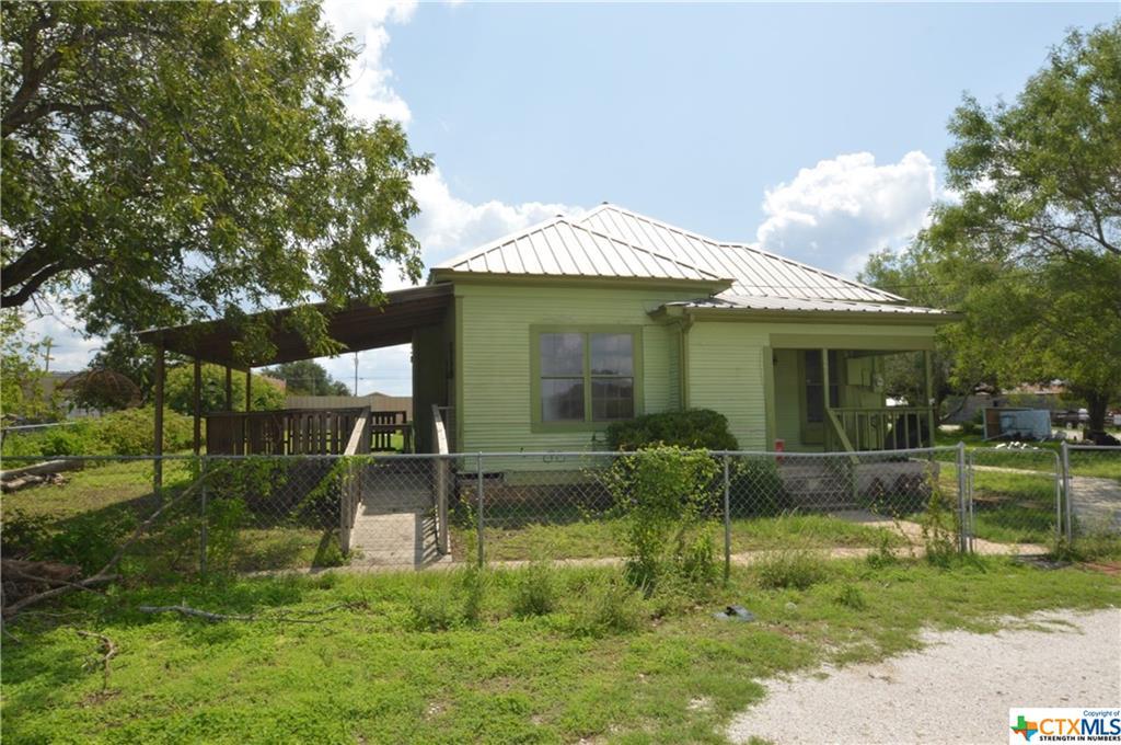 117 W San Saba Street Property Photo - Lometa, TX real estate listing